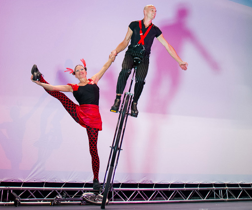 Einrad-Show Duo Scacciapensieri , www.artistik.ch