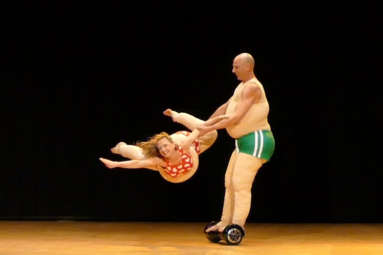 Hoverboard-Show Duo Scacciapensieri www.artistik.ch